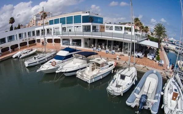 Restaurante Balandros, la mejor gastronomía mediterránea junto al mar.