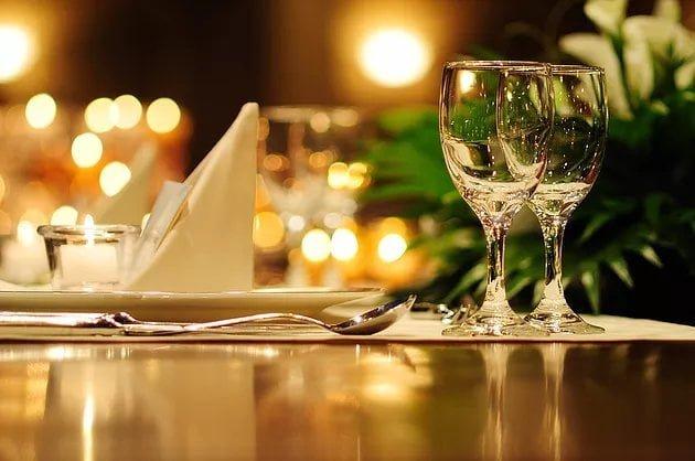 Reserva tu comida o cena de empresa, Navidad o Nochevieja en Restaurante Balandros, en el Club Náutico de Dénia.